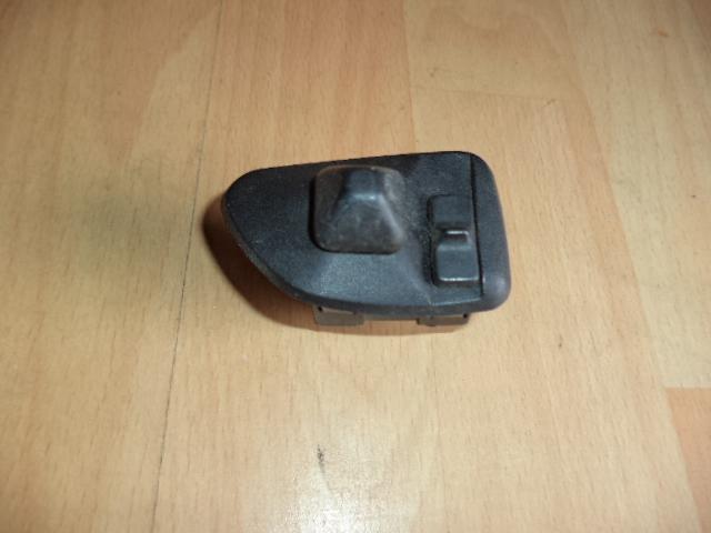 bouton interrupteur de r glage r troviseur d 39 origine bmw 3 e36 ref 1387287 red 39 auto. Black Bedroom Furniture Sets. Home Design Ideas